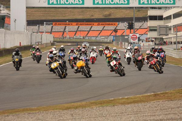 偉大なる草レース ONE&TWOフェスティバル